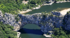 Baptême en Hélicoptère - vol découverte des Gorges de l'Ardèche