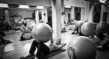 Cours collectifs de Pilates en club de sport à Lille