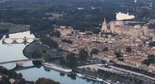 Baptême en Hélicoptère : Vol en direction de Châteauneuf du Pape