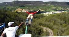 Saut à l'élastique filmé par caméra embarquée dans l'Aveyron