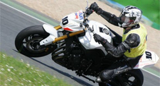 Stage de Pilotage en Yamaha FZ8 Roadster - Circuit de Bresse
