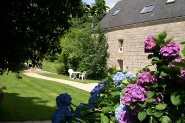 Chambres d'hôtes La Ferme de Lintéver à Cléguéréc (Claire et Nicolas Rafle)