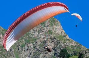 Vol en Parapente dans les Hautes Pyrénées près de Lourdes