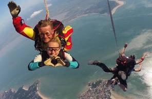 Saut en Parachute Tandem à Royan face à l'estuaire de la Gironde
