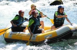 Séance de rafting dans les Hautes-Pyrénées près de Lourdes
