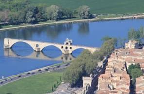 Baptême en hélicoptère - Vol dans le Vaucluse près du Pont d'Avignon