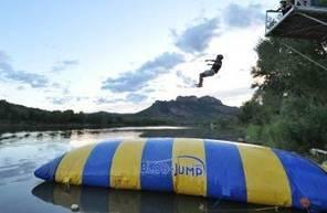 Saut de Blob Jump de Fréjus