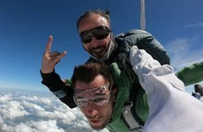 Saut en Parachute Tandem près de Poitiers