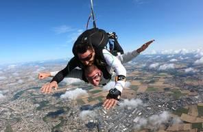 Saut en Parachute Tandem près de Limoges en Région Aquitaine