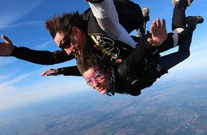 Saut en Parachute Tandem à La Roche sur Yon