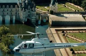 Baptême en hélicoptère près de Tours - Vol dans le ciel du Val de Loire