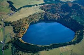 Baptême en hélicoptère - Survol des Volcans d'Auvergne