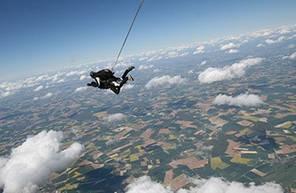 Saut en Parachute Tandem à Lanas près d'Alès
