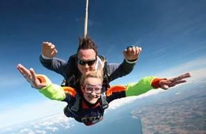 Saut en Parachute Tandem près d'Étretat
