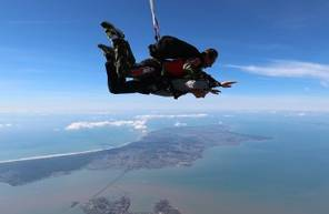 Saut en Parachute Tandem à proximité de la Rochelle