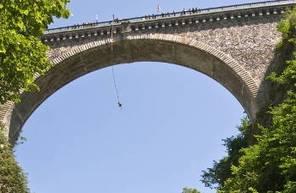 Saut à l'élastique sur le Pont Napoléon à Luz Saint-Sauveur