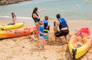 Canoë-Kayak ou pédalos sur la plage de la Madrague à Sainte Maxime
