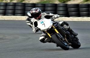 Stage de Pilotage en Yamaha FZ8 - Circuit Paul-Ricard