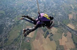 Saut en Parachute Tandem à proximité de Valenciennes