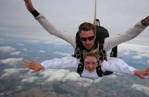 Saut en Parachute Tandem près de Reims