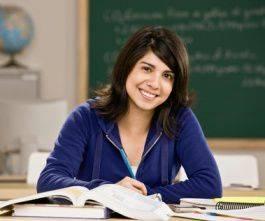 Comment intégrer une grande école de commerce : fac ou prépa ?