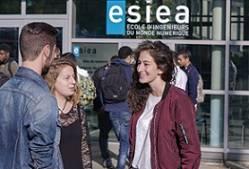 ESIEA Laval : École d'ingénieurs du monde numérique