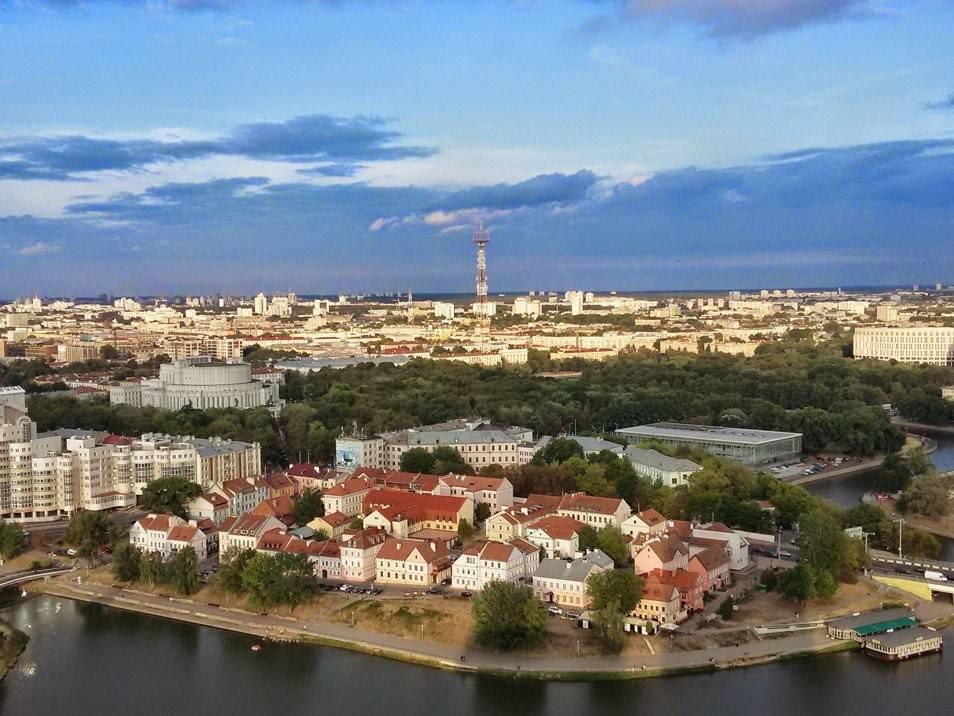 https://i.twic.pics/v1/https://www.explo.com/media/catalog/product/cache/1/thumbnail/9df78eab33525d08d6e5fb8d27136e95/a/4/a417-voyage-bielorussie-minsk-pc.jpg