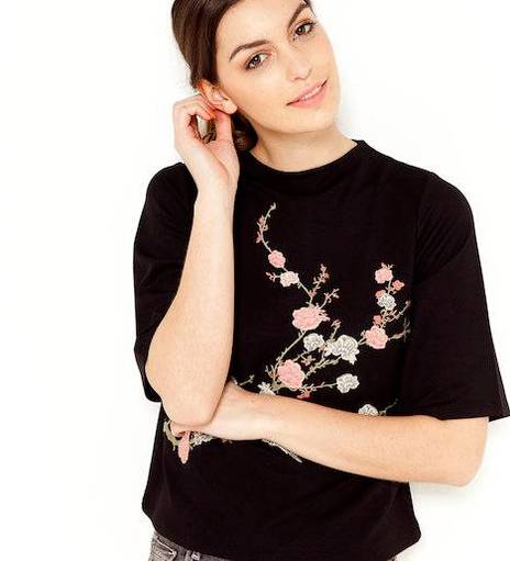Top femme broderies japonisant